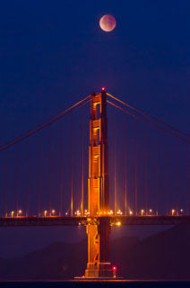 lunar_eclipse_golden_gate_bridge_DL_20111210_DSC0827.jpg