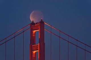 lunar_eclipse_golden_gate_bridge_DL_20111210_DSC0844.jpg