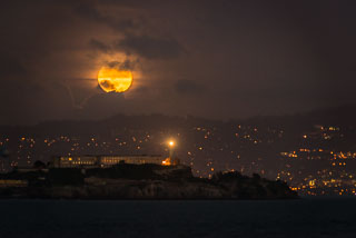 Alcatraz_Full_Moon_DL_20121128_DSC2351.jpg