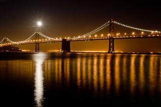 full_moon_bay_bridge_DL_20111210_DSC0932.jpg